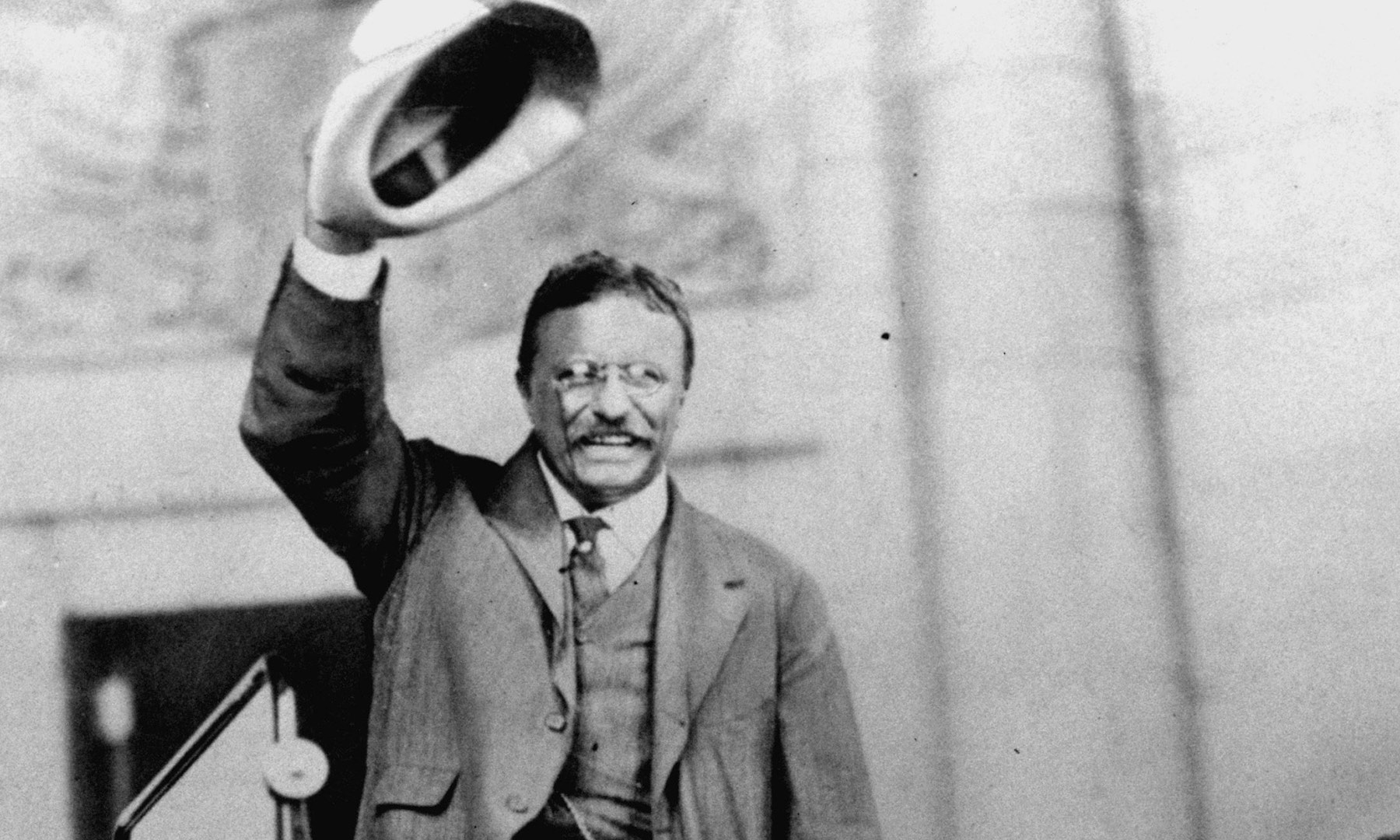 Roosevelt campaigning for president in 1904