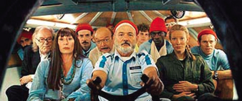 Figure 1. Steve Zissou with his fi lm crew in red caps.